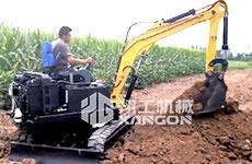 小型挖掘机在农业作业中的施工