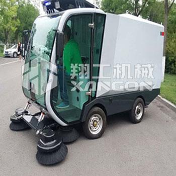 XLS-2100电动扫路车